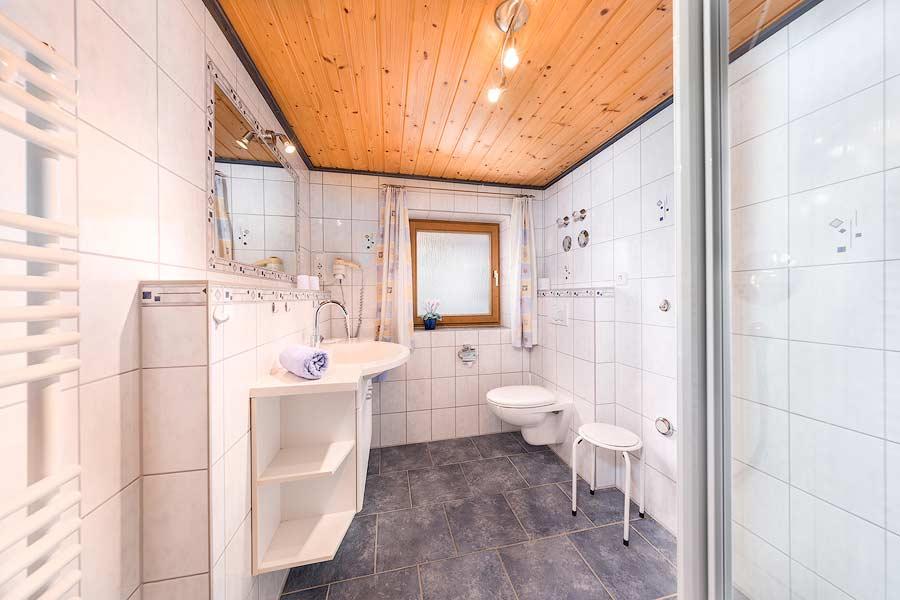 Fotos vom Bad der Ferienwohnung in Schwangau